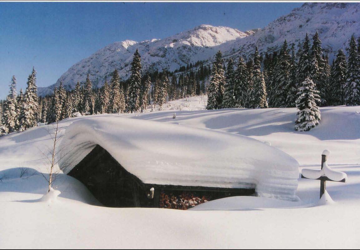 Schnee_Hütte
