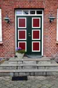 VInduer og døre kan tilbydes med flere farver på samme dør