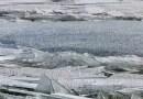 Видео: Движение льда напоминает битое стекло.