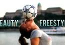 Видео: Эти девчонки доказывают, что женщины тоже умеют обращаться с футбольным мячом.