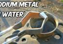 Видео: Вот что выйдет, если натрий бросить в воду.