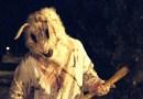 Пранк: Кролик-убийца с топором держит в страхе всю округу (+Видео).