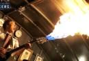 Видео: Изобретатель Колин Ферз воссоздал гитару-огнемет из «Безумного Макса».