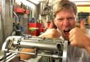 Сантехник и изобретатель-самоучка Колин Ферз создал футуристическое наручное оружие из игры «Deus Ex». [Видео]