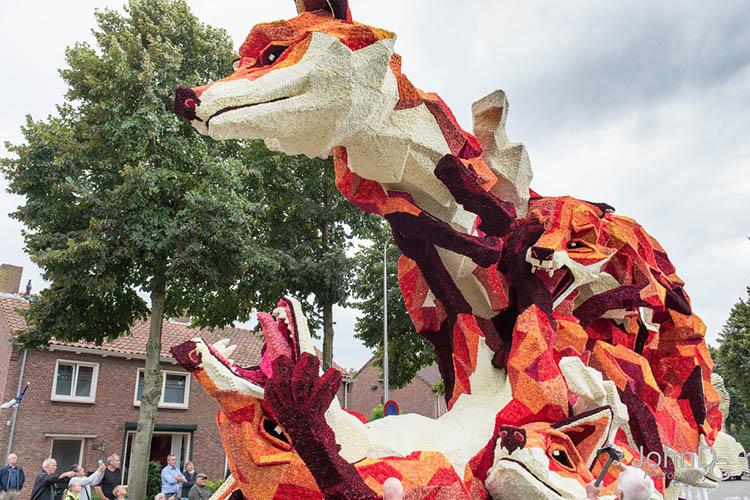 flower-sculpture-parade-corso-zundert-2016-netherlands-vinegret (13)