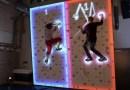 Видео: Два парня играют в понг на стене для скалолазания.