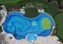 Калифорниец оформил свой бассейн в стиле известной картины Винсента Ван Гога «Звездная ночь».