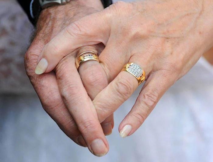 couple-wedding-clothes-50th-anniversary-carole-ann-jim-stanfield-vinegret-3