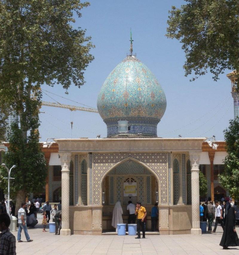 emerald-tomb-ceiling-shah-cheragh-shiraz-iran-vinegret-1