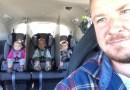 Отец тройняшек в своем автомобиле поставил между детьми перегородки, чем вызвал жаркие споры среди пользователей Интернет.