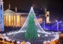 В Вильнюсе зажгли Рождественскую елку, подсвеченную 50 000 лампочек.
