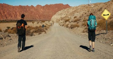Видео: Удивительная прогулка по дорогам Аргентины.