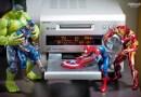 Японский фотограф в своих работах оживил игрушечных супергероев.