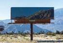 Художница совместила рекламные щиты с горными пейзажами.
