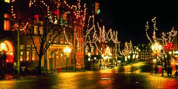 The 11 Best Christmas Markets Around The World VinePair