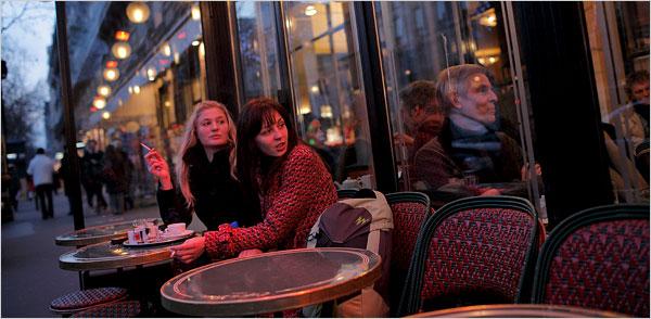 french-women-smoking.jpg