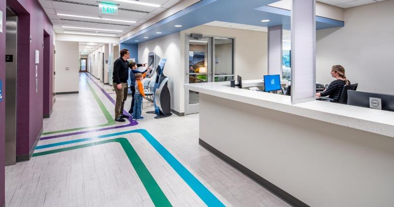 ventajas pisos de vinilo en hospitales