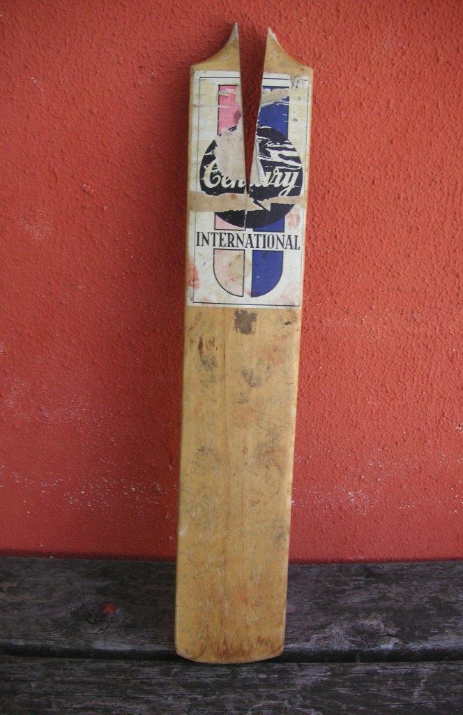 The broken wedding bat  Vin Maskell