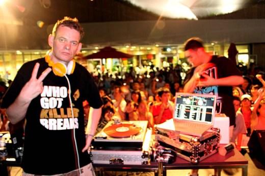 德国的DJ DSK(穿着精气神制作的Tee)