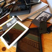 English: A Pile Of Mobile Devices Including Sm…