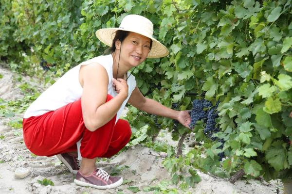 Emma and grapes