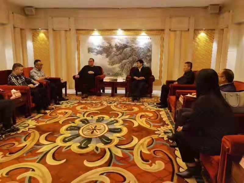 A team led by Peter Dixon of Accolade Wines met with head of Qinghai Department of Commerce Zhu Longxiang last month (pic: Qinghai Department of Commerce)
