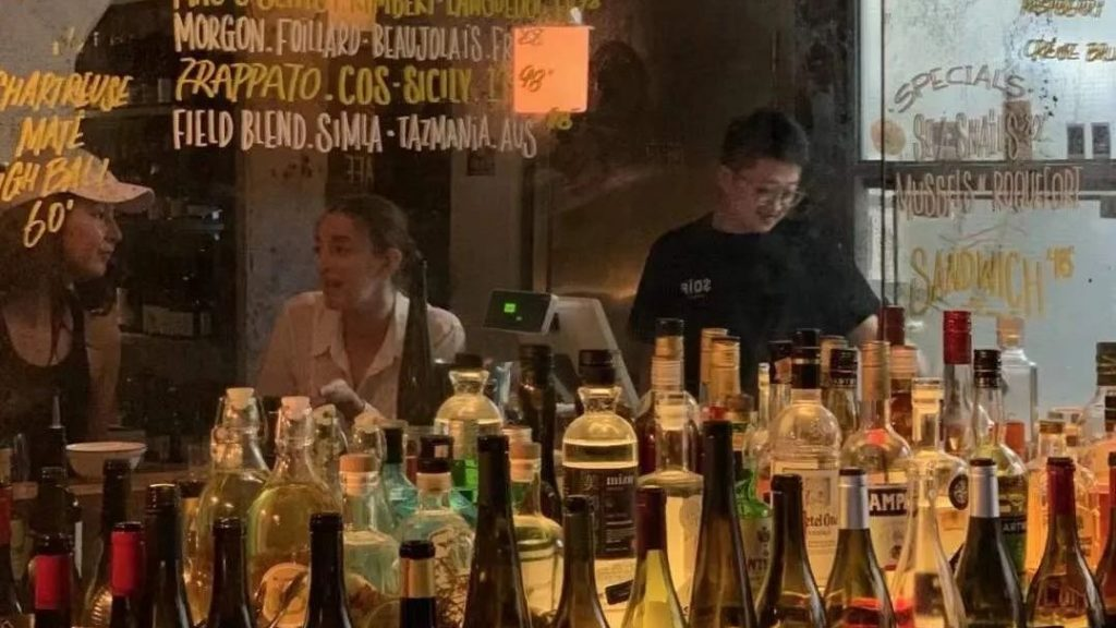 Chinese natural wine drinkers (pic: WeChat)