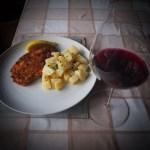 Вино Цвайгельт шницель из свинины картофельный сала по-австрийски
