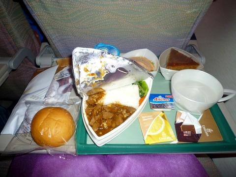 在 A380 上吃的第一顿飞机餐,没有想像中的好吃