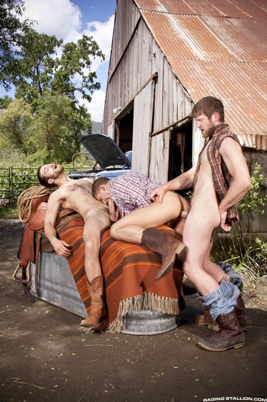 Colby Keller Tommy Defendi Chris Porter threeway fuck Cowboys gay hot daddy dude men porn