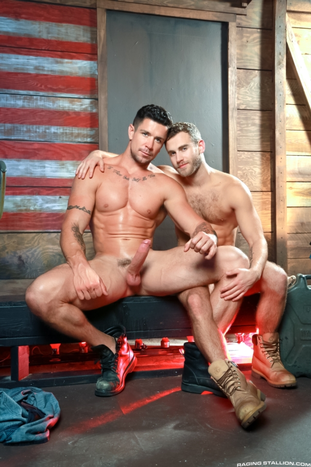 Trenton Ducati fuck Shawn Wolfe gay hot daddy dude men porn Hung Americans
