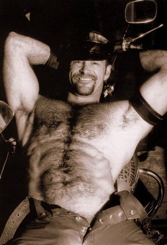 Tony Mills gay hot daddy dude men porn