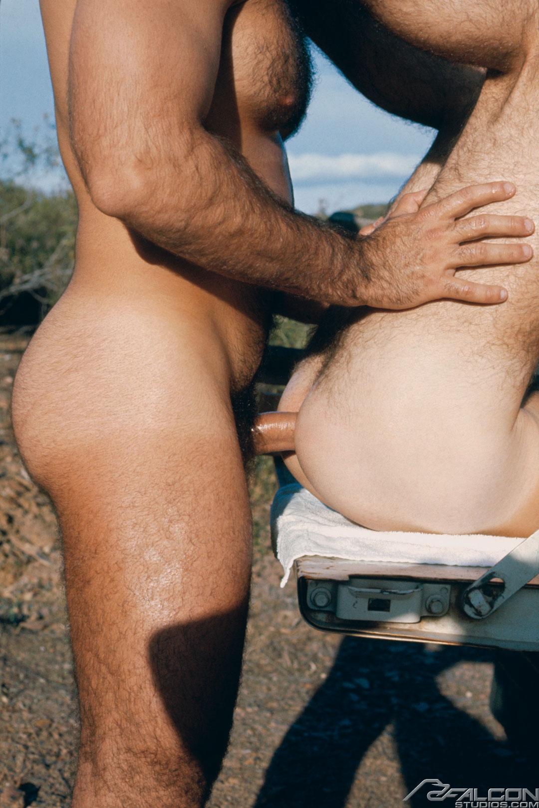 Bruno fuck Shane vintage gay hot daddy dude men porn Hayride