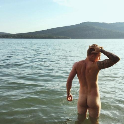 Gus Kenworthy gay hot men