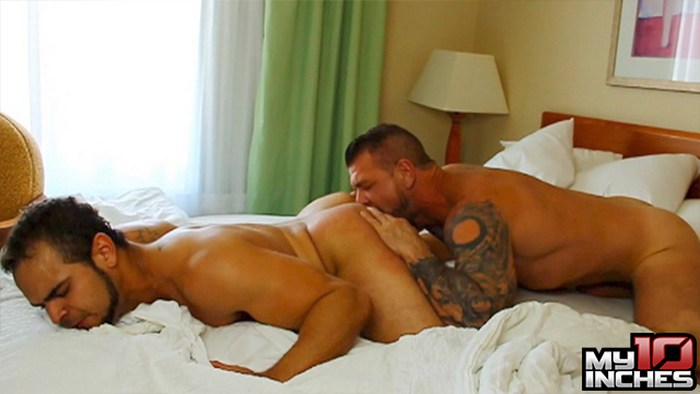 Rocco Steele fuck Brock Avery gay hot daddy dude men porn My 10 Inches