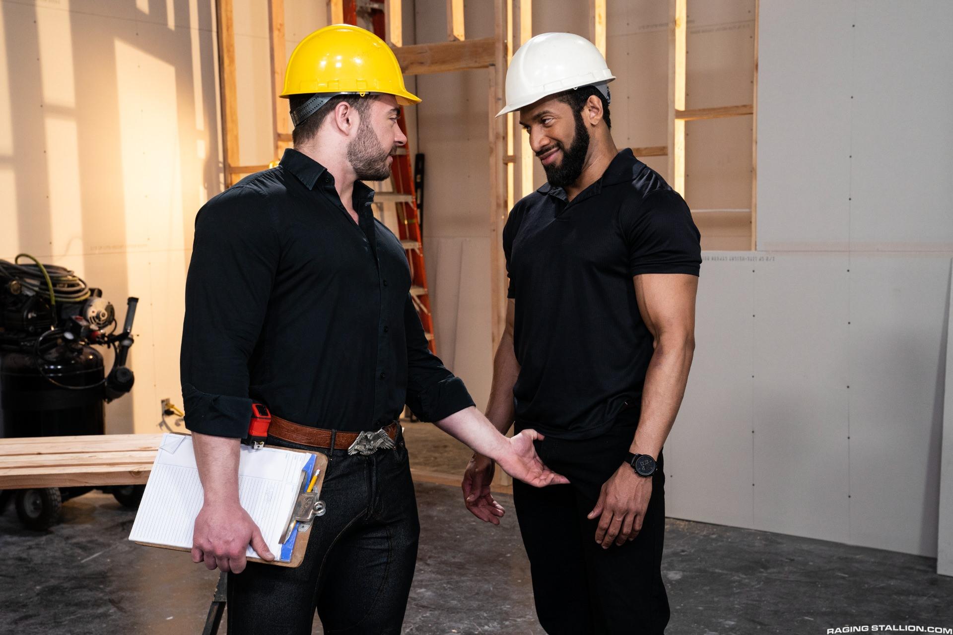 Jay Landford bareback fuck Derek Bolt gay hot daddy dude men porn Raw Construction