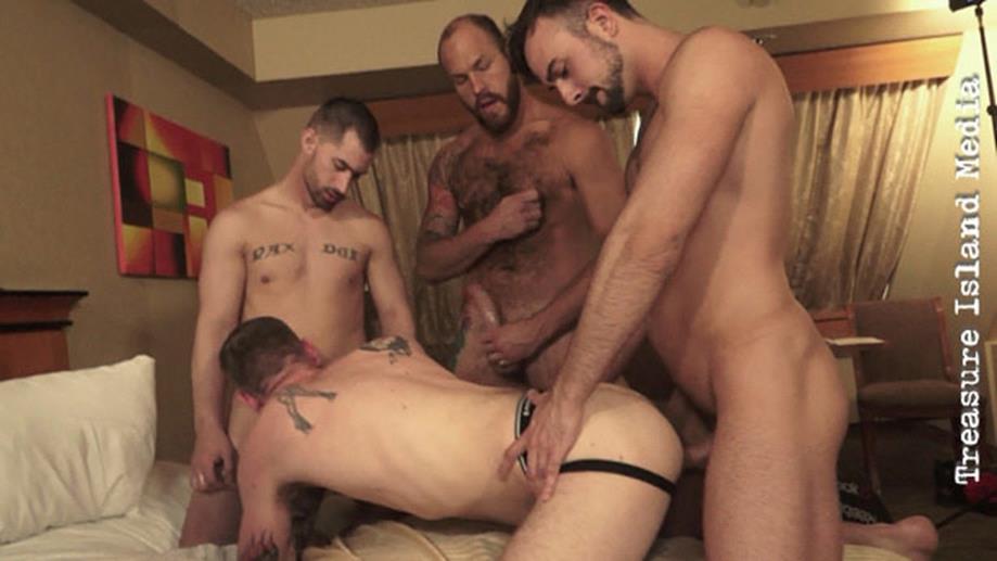 Ethan Hawke Derek North Parker Logan bareback fuck orgy Ryan Powers gay hot daddy dude men porn Legendary Stud