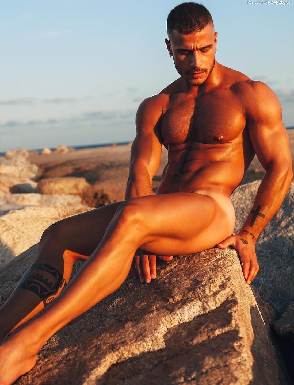 Paolo Bellucci gay hot daddy dude men model