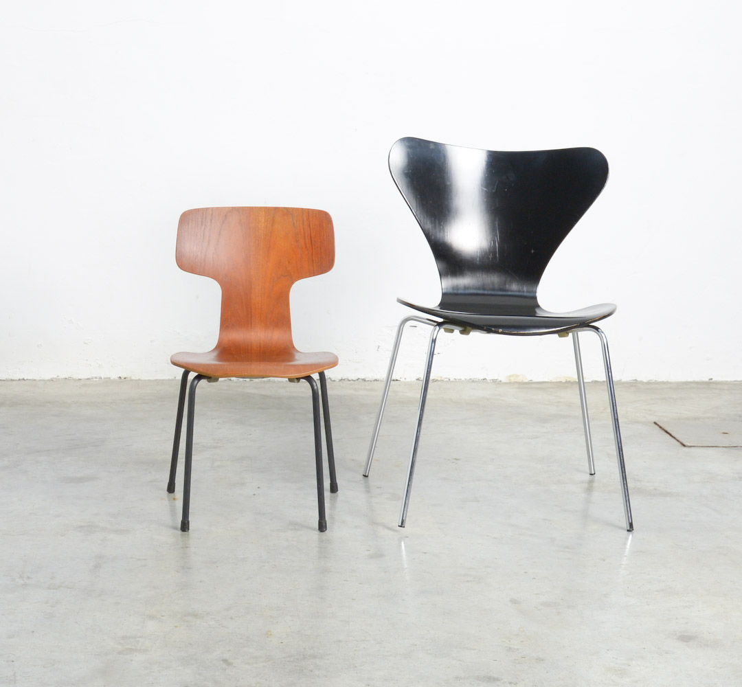 Fritz Hansen Chairs Rare Children S Bent Plywood Chairs By Arne Jacobsen For Fritz Hansen Vintage Design Point
