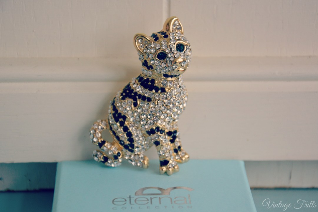 Vintage Style Cat Brooch
