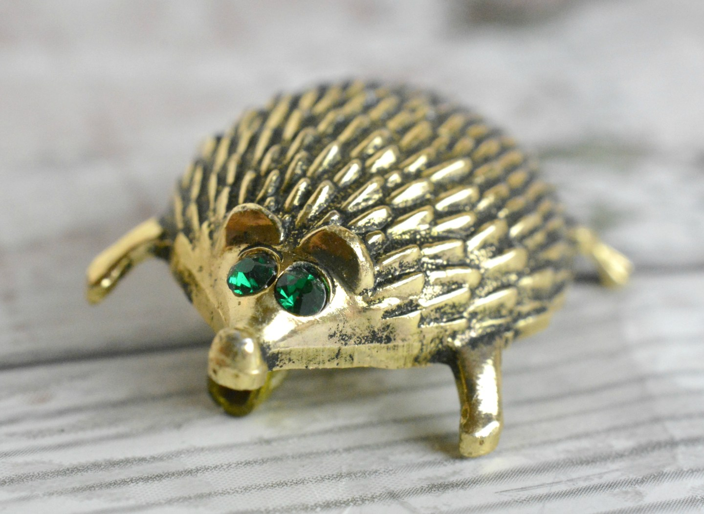 Hedgehog Brooch Face