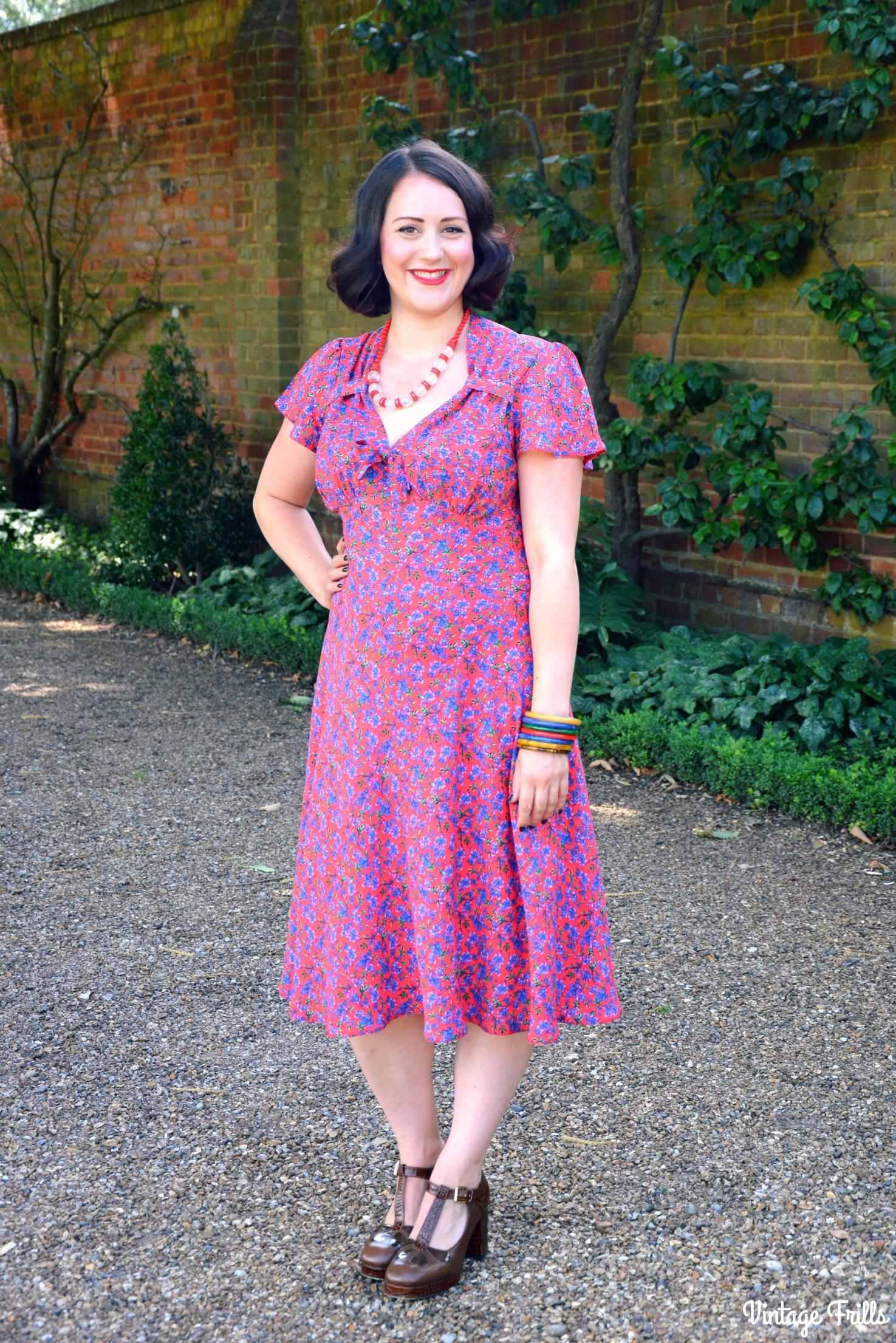 c3ca6a4810a7 Pretty Retro 40s Style Tea Dress Review • Vintage Frills