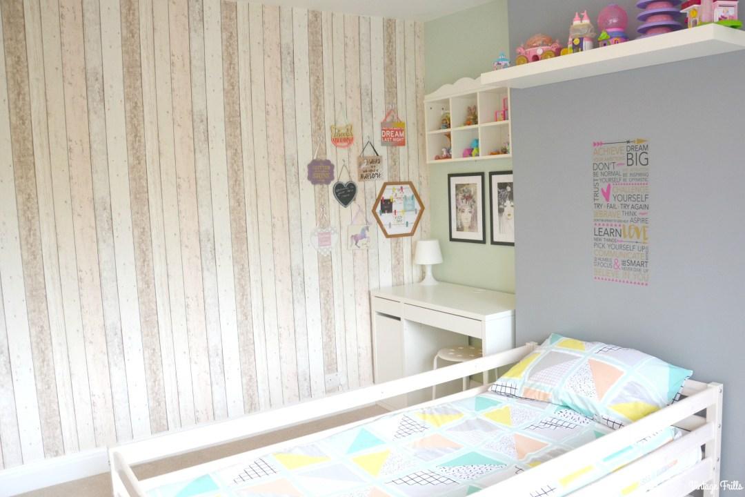 jesss-room-wood-wallpaper-wall
