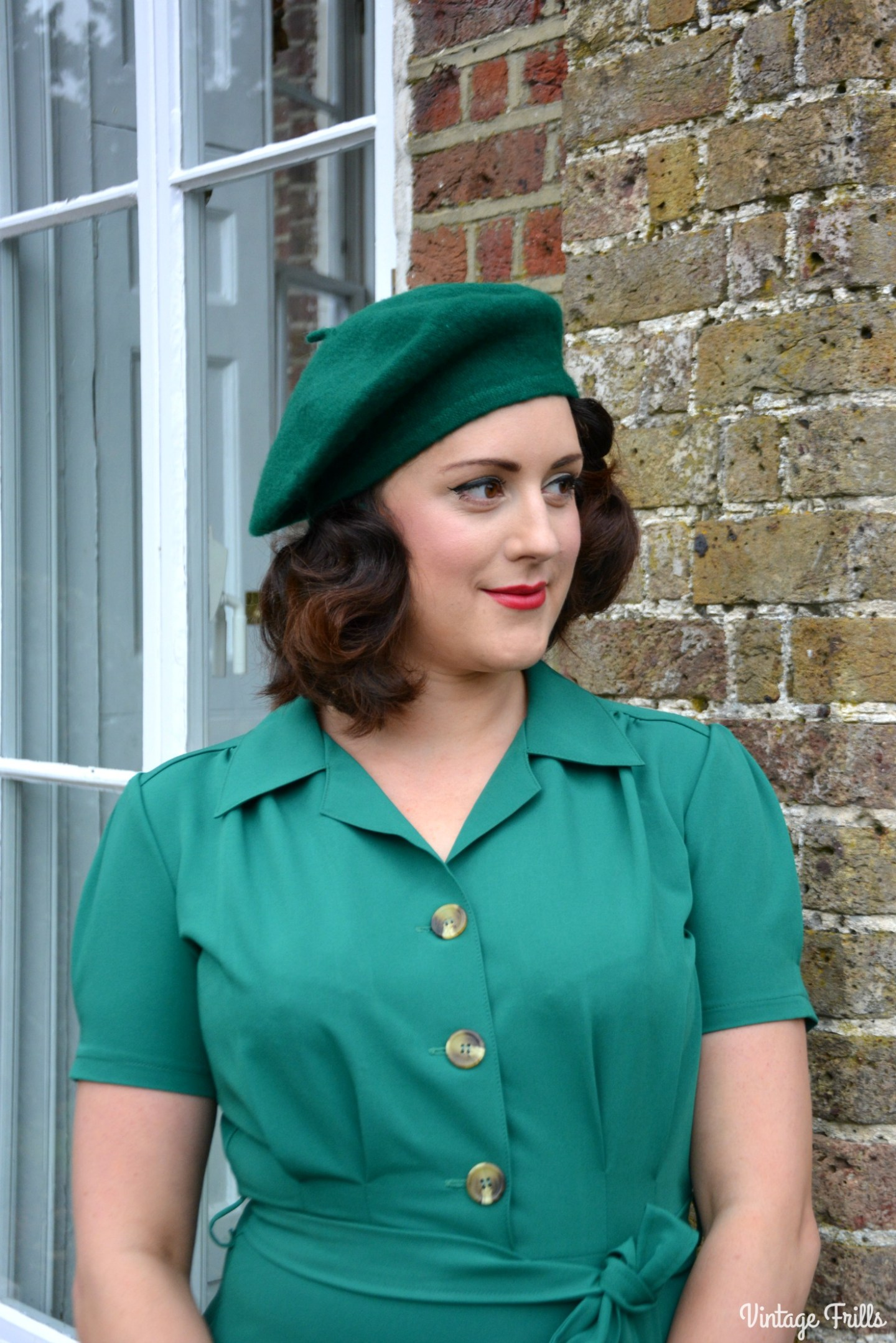 pretty-retro-pretty-green-shirt-dress-review