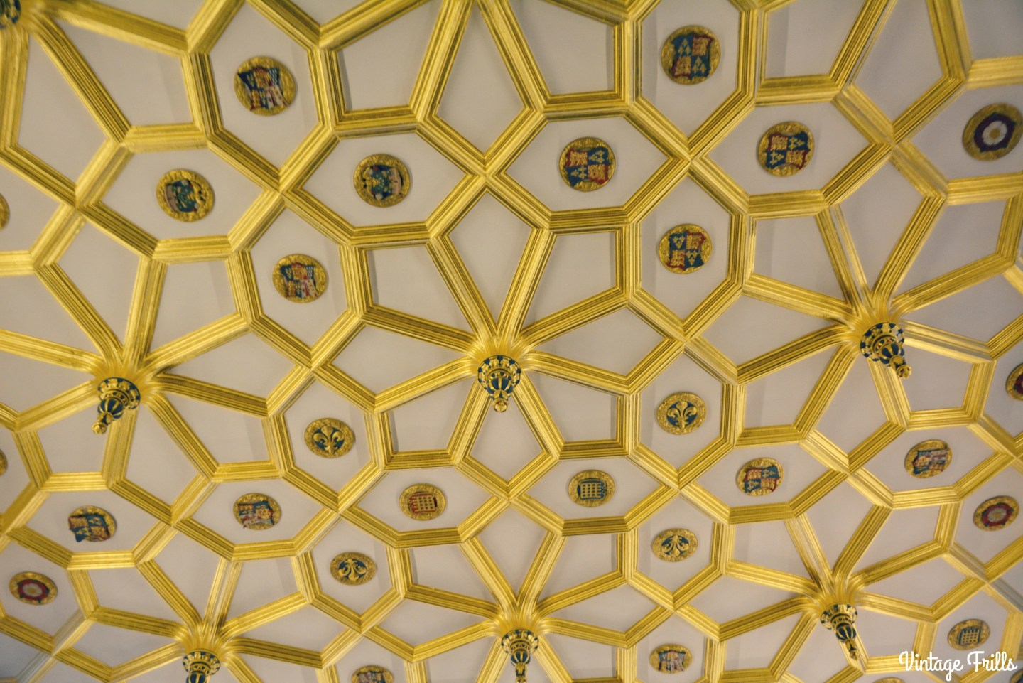 gold-tudor-ceiling-hampton-court