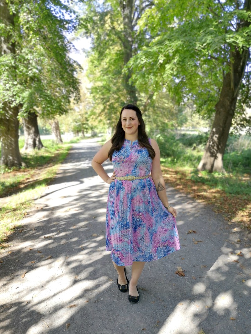 The Bargain Vintage Dress and Why I Need to Shop My Wardrobe