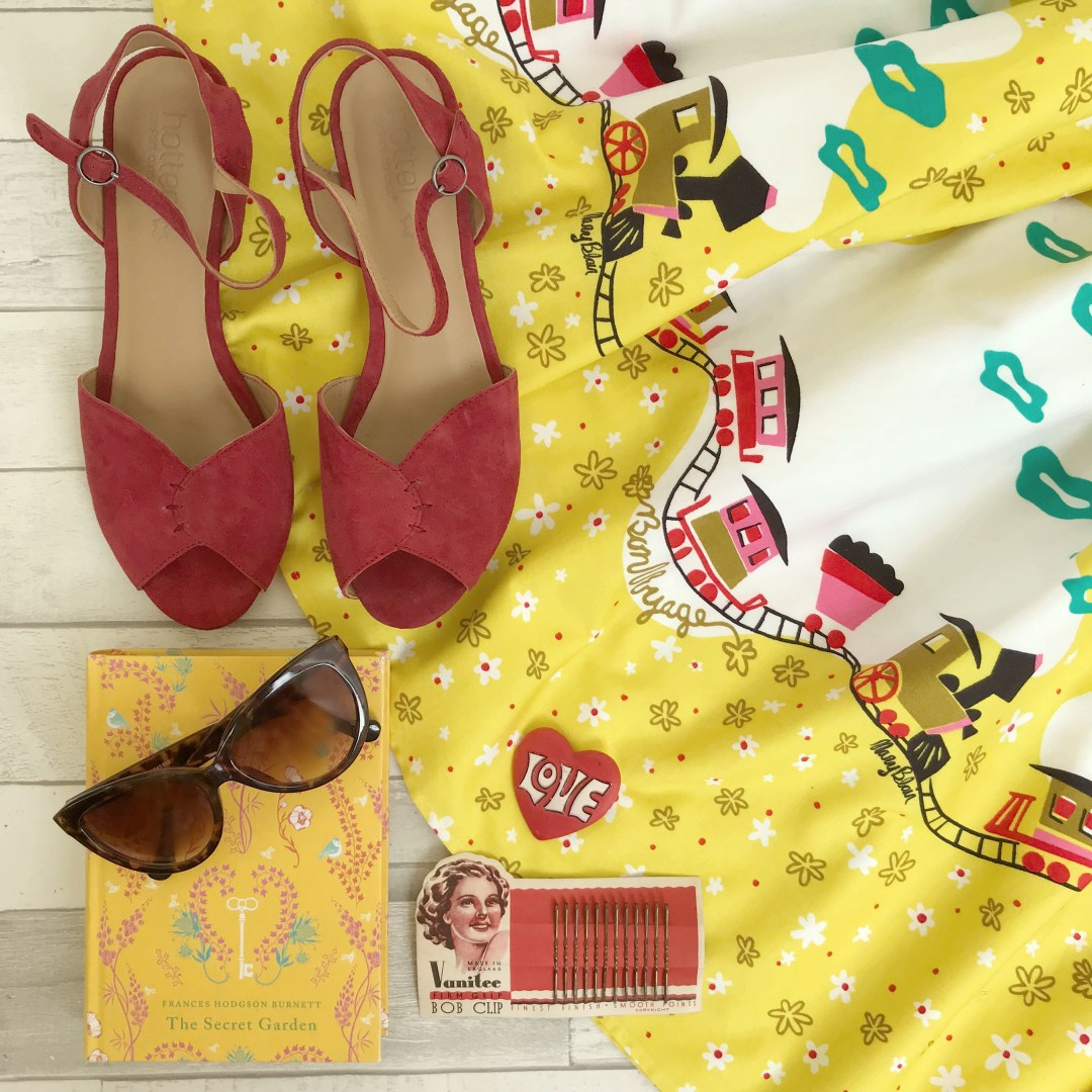 How to Create Gorgeous Fashion Flat Lays   Vintage Frills