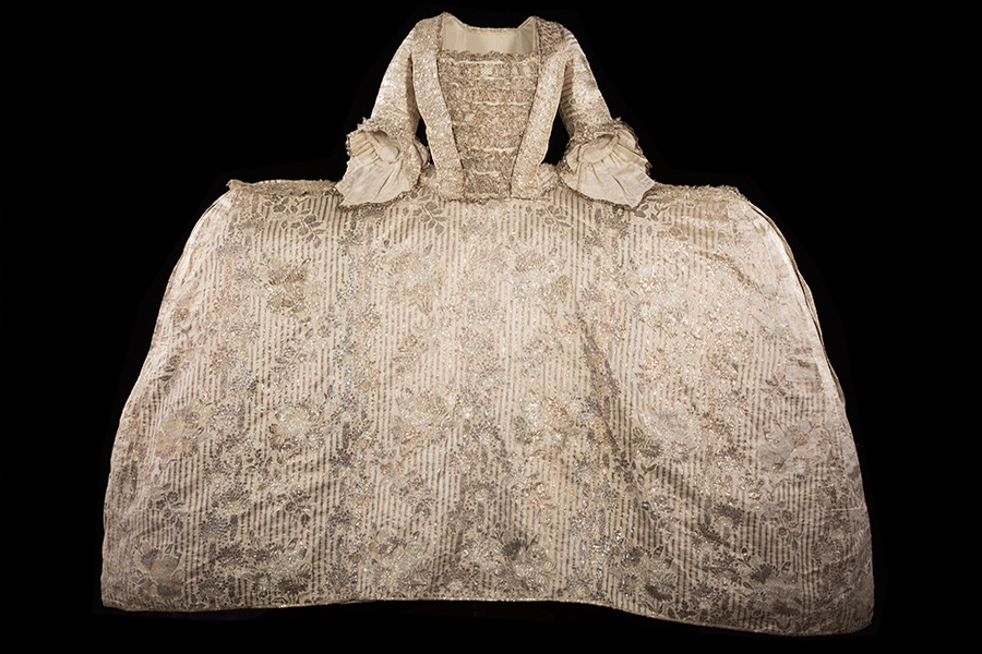 Learn About the History of Royal Fashion with a Free Course from Historic Royal Palaces