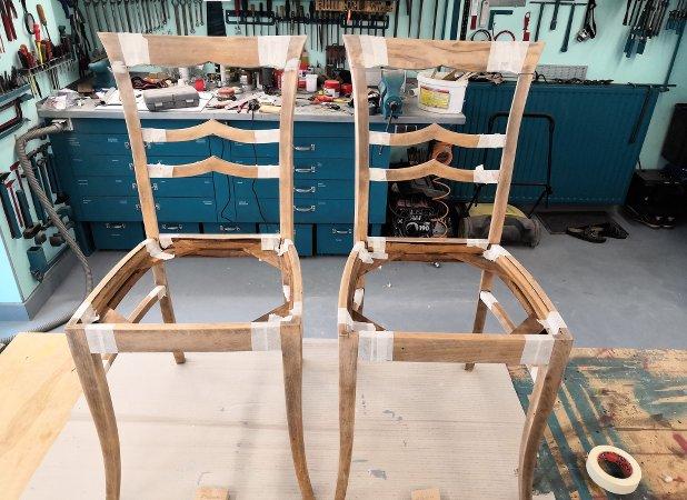 2 Stühle, Grundierung folgt