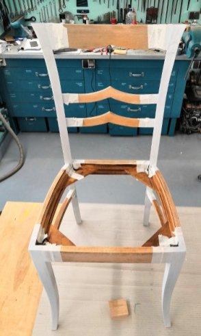 grundierter Stuhl